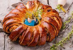 Osie hniezda z kváskového cesta Nutella, Ratatouille, Sausage, Snacks, Ethnic Recipes, Food, Flaky Pastry, Sweets, Desserts