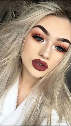46 Amazing Party Makeup Looks to Try this Holiday Season Holiday makeup looks; promo makeup looks; wedding makeup looks; makeup looks for brown eyes; glam makeup looks. Glam Makeup, Eyeshadow Makeup, Hair Makeup, Makeup Brushes, Makeup Geek, Beauty Makeup, Eyeshadow Brushes, Drugstore Makeup, Sephora Makeup