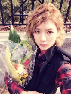How Is A Guy This Pretty Though? Only Ren (^___^)