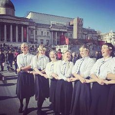Sunny girls at Trafalgar Square wearing @kirivoo_  ethnic ties 😍 #internationaldanceday #london #trafalgarsquare #estonianfolkdance #estoniangirls #kirivoo #dance #rahvatants #girls #girlpower #lovedance #lovethem