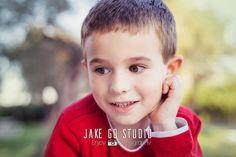 Arnau. Retrato. Fotografía de familia. Jake Go Stduio. Pego. Alicante. España