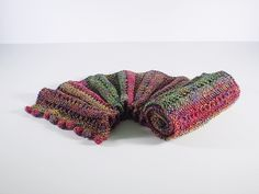 Free Pattern: Autumn Berry Scarf by Frankie Brown