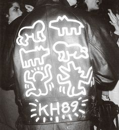 WildGoddess: Imagine finding this treasure in a vintage shop!  via papermagazine: Keith Haring leather jacket we spotted at a party back in 1989.