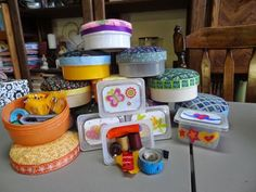 Patches and Scraps - Sewing Kits from baby food containers for Operation Christmas Child Boxes for older girls Christmas Child Shoebox Ideas, Operation Christmas Child Shoebox, Christmas Crafts For Kids, Christmas Gifts, Christmas Boxes, Christmas Ideas, Holiday Crafts, Kids Crafts, Holiday Fun