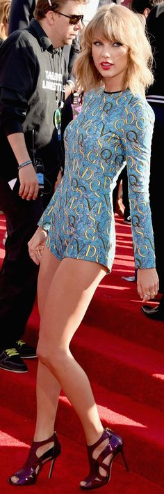 Taylor Swift mtv Awards 2014.                                                                                                                                                                                 More