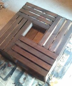Crate coffee table  http://diy-vintage-chic.blogspot.com/2012/05/vintage-wine-crate-coffee-table.html
