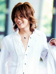 Jin Akanishi- former member of KAT-TUN (Main Vocals) left the group to pursue his solo career.