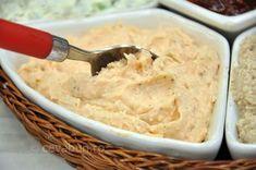 Pate de somon cu parmezan: cum se face. Reteta pasta de somon afumat cu parmezan si mascarpone. Pateu de somon pentru tartine (finger food).