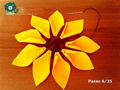Eu Amo Artesanato: Flor Girassol em Feltro com molde Diy Dollhouse, Dollhouse Furniture, Sunflower Crafts, Cactus, Punch Needle, Felt Flowers, Christmas Gifts, Orange, Belem
