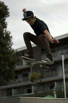 skate or dieeeee; Hang Ten, Skates, Skater Guys, Estilo Street, Skate And Destroy, Skate Surf, Skater Style, Longboarding, Action Poses