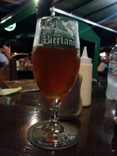 Pale ale, essa sim, muito bem construída, o melhor chopp do boteco da Bierland, vou tomar uma de garrafa pra conferir.