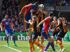 hull761-3715558_478x359.jpg (478×358) Christian Benteke scores against Hull City