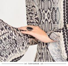 Detalhes de um look lindo com vestido Spezzato e anel Iorane! #moda #acessórios #look #detalhe #anel #bijoux #outfit #details #fashion #ring #iorane #spezzato #ecommerce #lojaonline #lnl #looknowlook