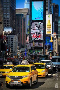 Impressionen in New York  |  Taxi am Times Square  |  mw-werbung.de