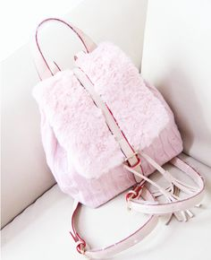 Come suts we're going to the mall ,Chanel Oberlin Fashion Bags, Fashion Accessories, Cute Backpacks, Girls Bags, Cute Bags, Fancy, Beautiful Bags, College Bags, My Bags
