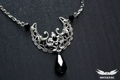 Bijoux gothique victorienne lunaire de sorcellerie - collier croissant de lune avec des cristaux-