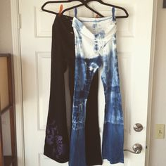 Indigo Shibori Yoga pants from Etsy Shop Lyla Lotus