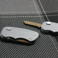 A push button flipper style key fob for home and office locks. 2 inches closed; 3.75 inches open; 0.25 inches thick; 1.125 inches wide  Please allow 2-3 weeks for delivery.