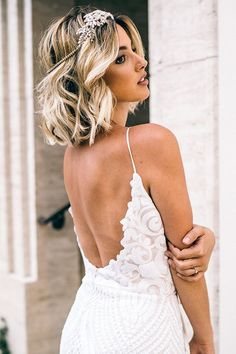 """5 Cute Short Wedding Hairstyles 2019 That Can Make You Say """"Wow!, 5 Cute Short Wedding Hairstyles 2019 That Can Make You Say """"Wow! If you are an owner of cute and short curly hair then, this gathered collection of . Beach Wedding Hair, Wedding Hair Down, Wedding Hair And Makeup, Hair Makeup, Wedding Nails, Bridal Nails, Bride Makeup, Dress Wedding, Wedding Rings"""