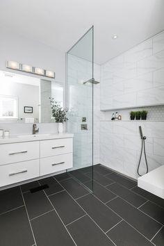 Stylish Impressive Black Floor Tiles Design Ideas For Modern Bathroom Black Bathroom Floor, Black Tile Bathrooms, Ensuite Bathrooms, Bathroom Floor Tiles, Bathroom Renos, Modern Bathroom, Black Floor, Bathroom Porcelain Tile, Black And White Bathroom Ideas