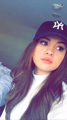 Selena no snap