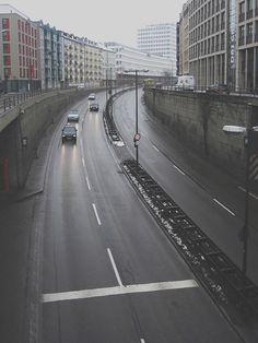 candid-tunnel munich http://www.deadbirds.org/blog/munich-candidtunnel-1/ #munich #street #asphalt #grey #urban