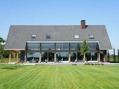 Villa 1, 's Heeren Vrunten - Landvilla's - OSA Architecten Home Building Design, Building A House, Metal Roof Installation, Lake Cabins, Mansions Homes, Facade House, Modern House Design, Architecture Design, House Styles