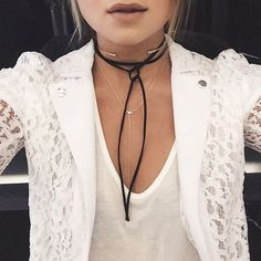 TRENDS: The choker necklace back by popular demand   REGINAH'S RUNWAY