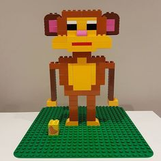 Here you can see a monkey from LEGO® Duplo who took us from BRICKaddict. Lego Club, Lego Technic, Lego Duplo Animals, Lego Studios, Modele Lego, Lego Blocks, Lego For Kids, Art Therapy Activities, Cool Baby Stuff