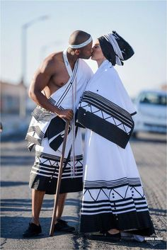Trendy clothing on traditional african fashion 268 African Wedding Attire, African Attire, African Wear, African Fashion Dresses, African Dress, Ankara Fashion, African Outfits, South African Traditional Dresses, Traditional Dresses Designs