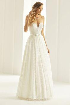 Νυφικό Bianco Evento  Scarlett Size 18 Wedding Dress, Budget Wedding Dress, Stunning Wedding Dresses, Affordable Wedding Dresses, Luxury Wedding Dress, New Wedding Dresses, Cheap Wedding Dress, Designer Wedding Dresses, Bridal Dresses