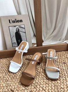 Uncover Shoe Shopping Tips And Hints. Sock Shoes, Cute Shoes, Me Too Shoes, Shoe Boots, Shoes Sandals, Shoes Sneakers, Aesthetic Shoes, Dream Shoes, Shoe Collection