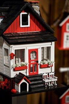 miniatures for dollhouses - I really like this enclosed porch