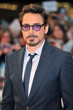 Goddammit, Robert's purple hipster glasses. Goddammit. Plz stawp.