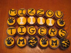 cupcakes i am ready to tailgate bring on the sec more cupcakes cak ...