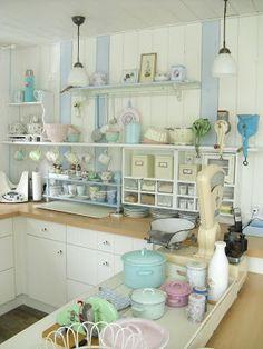 Pastel kitchen.  Pünktchenglück