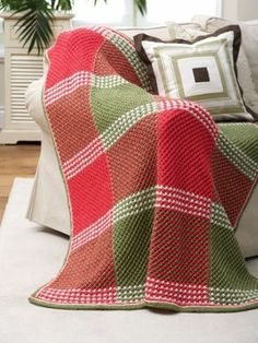 This timeless knit blanket pattern features a classic star stitch design in a festive plaid color layout. Grandma's Favorite Holiday Afghan is sure to bring Christmas cheer to any room of your home. Christmas Knitting Patterns, Knitting Patterns Free, Knit Patterns, Free Knitting, Free Pattern, Crochet Afghans, Knit Or Crochet, Crochet Owls, Knitted Baby