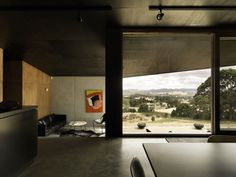 kerstin thompson architects / house at hanging rock, victoria