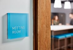 Browse and discover thousands of office design and workplace design photos - tagged and curated to make your search faster and easier. Directional Signage, Wayfinding Signage, Signage Design, Environmental Graphic Design, Environmental Graphics, Commercial Office Design, Office Signage, Corporate Office Design, Office Makeover