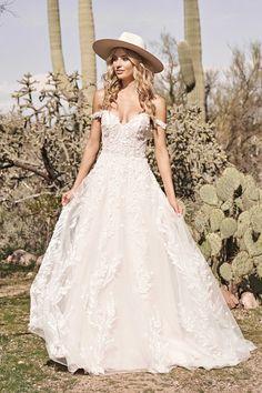 Wedding Dress Pictures, Dream Wedding Dresses, Boho Wedding, Whimsical Wedding, Wedding Happy, Relaxed Wedding, Wedding Ideas, Wedding Venues, Bridal Dress Shops