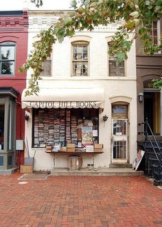 Love that cozy bookstore aesthetic? Check out these beautiful bookstores -- including Capitol Hill Books in Washington, DC -- for inspiration. I Love Books, Books To Read, San Myshuno, Vitrine Design, Foto Transfer, Capitol Hill, Shop Fronts, Book Nooks, Library Books