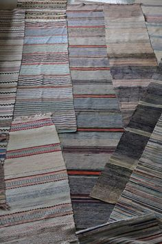 Trasmattor :-) Carpet Tiles, Carpet Flooring, Rugs On Carpet, Hardwood Floor Care, Scandinavian Embroidery, Natural Flooring, Plush Carpet, Carpet Installation, Rugs