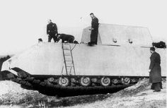 The V1 Maus prototype, without the definitive turret.
