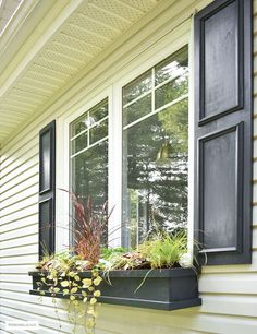 Gorgeous DIY shutters and window boxes! Small Shutters, Window Shutters Exterior, Diy Shutters, Black Shutters, Window Box Flowers, Window Boxes, Small Backyard Landscaping, Backyard Fences, Landscaping Ideas