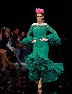 La diseñadora Sara de Benítez recurre a la inspiración mexicana para su colección de moda flamenca «Raíces» (Rocío Ruz / Raúl Doblado)