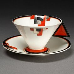 Vogue Red Blocks cup and saucer, Eric Slater, 1930-1931. Museum no. C.162:1, 2-2003. © Victoria & Albert Museum, London