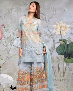 Sana Safinaz Luxury Collection 2017 - Original Online Shopping Store Whatsapp: 00923452355358 Website: www. Beautiful Pakistani Dresses, Pakistani Formal Dresses, Pakistani Fashion Casual, Pakistani Wedding Outfits, Pakistani Bridal Wear, Sleeves Designs For Dresses, Dress Neck Designs, Stylish Dress Designs, Stylish Dresses For Girls