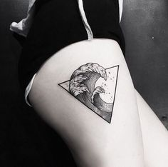 90 Triangle Tattoo Designs For Men – Manly Ink Ideas Thighs Deadly Men's Waves in Triangle Tattoo Tattoos Dreieckiges Tattoos, Trendy Tattoos, Body Art Tattoos, Small Tattoos, Tattoos For Guys, Cool Tattoos, Tatoos, Sleeve Tattoos, Triangle Tattoo Design
