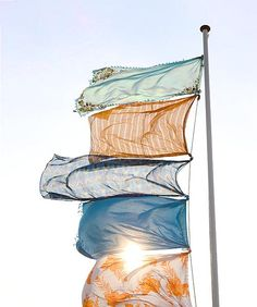 Inspiration! Flags in the garden. Photography Kim Timmerman