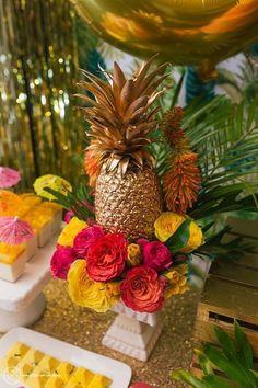 85 Very Fun Pineapple Wedding Ideas   HappyWedd.com